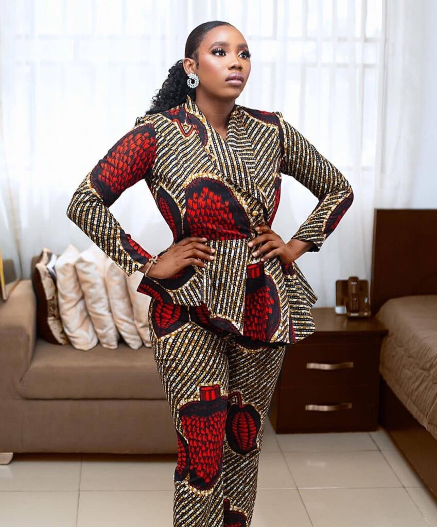 Ankara Styles 2020 for slim ladies: Most Popular Designs